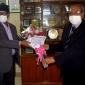 প্রফেসর ড. আবদুল খালেক এবং  প্রফেসর ড. পি.এম. সফিকুল ইসলামকে ফুলেল শুভেচ্ছা